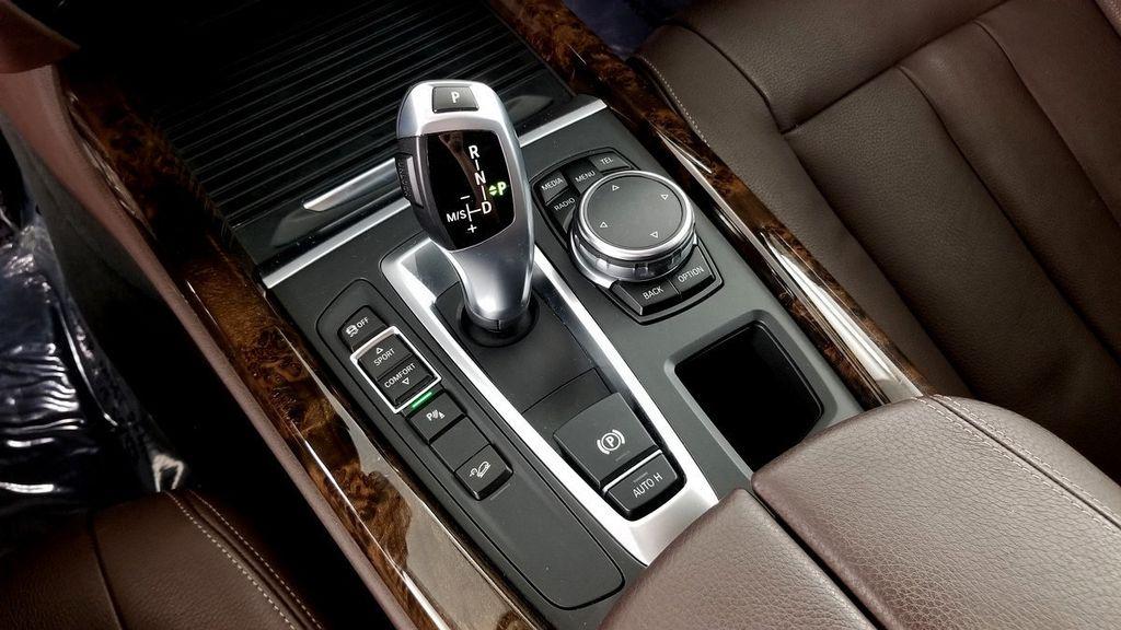 2015 BMW X5 xDrive35i - 18146477 - 32