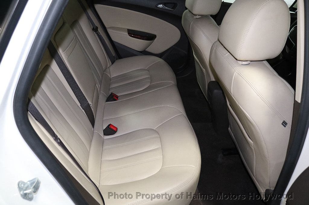 2015 Buick Verano 4dr Sedan Leather Group - 17851838 - 14