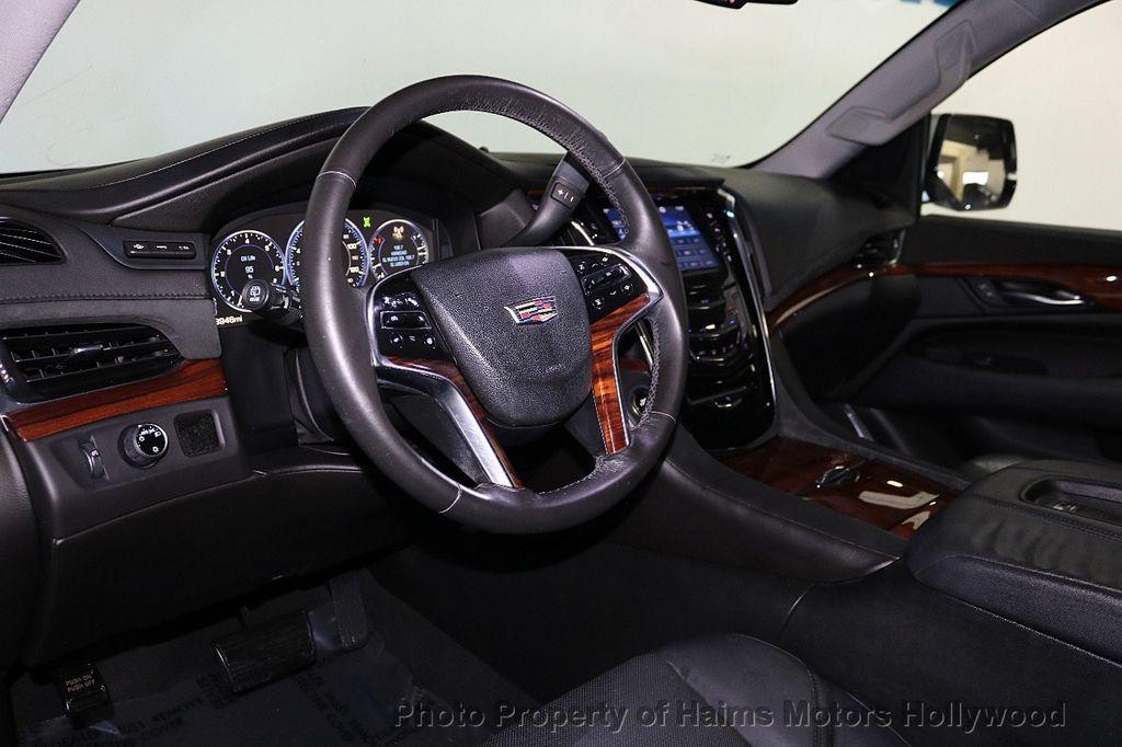 2015 Cadillac Escalade 2WD 4dr Luxury - 18241648 - 21
