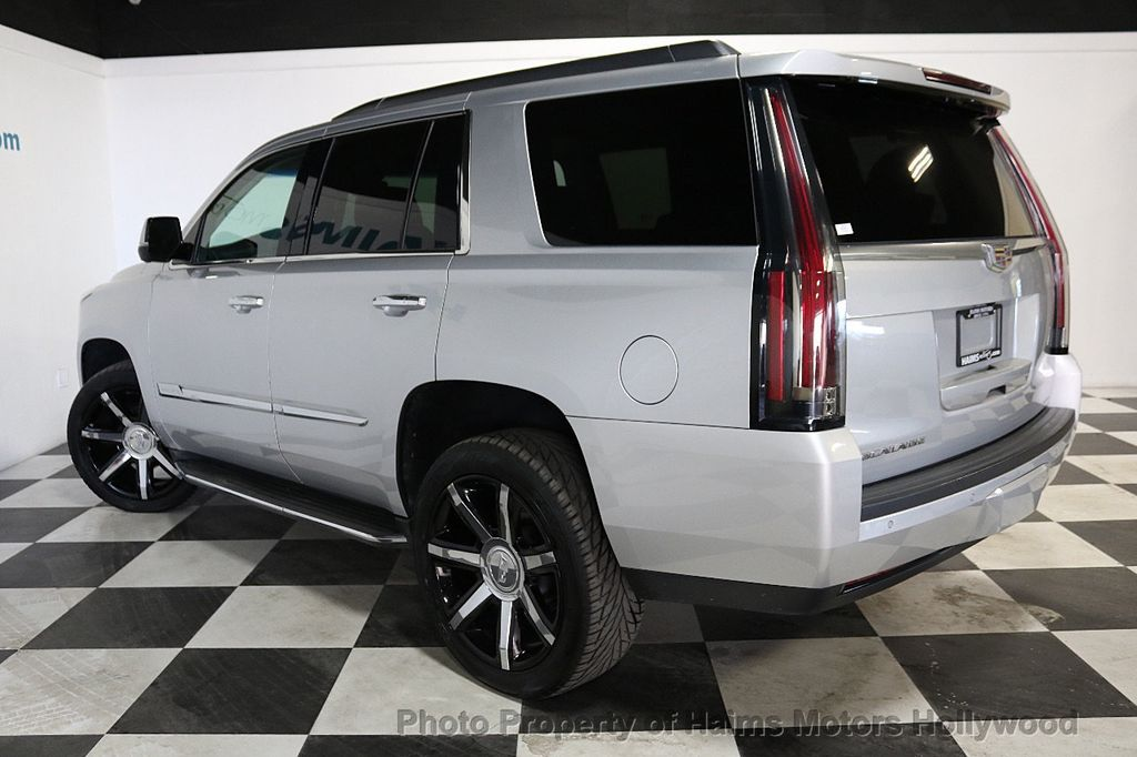 2015 Cadillac Escalade 2WD 4dr Luxury - 18241648 - 4