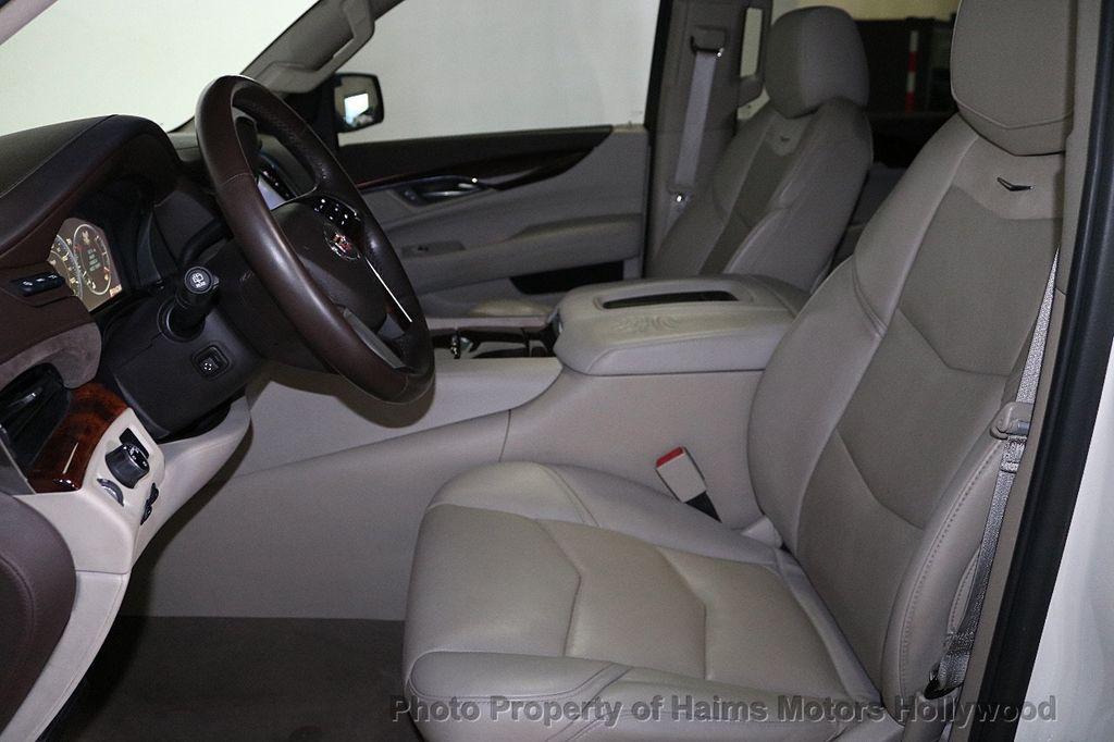 2015 Cadillac Escalade 2WD 4dr Luxury - 18512718 - 19