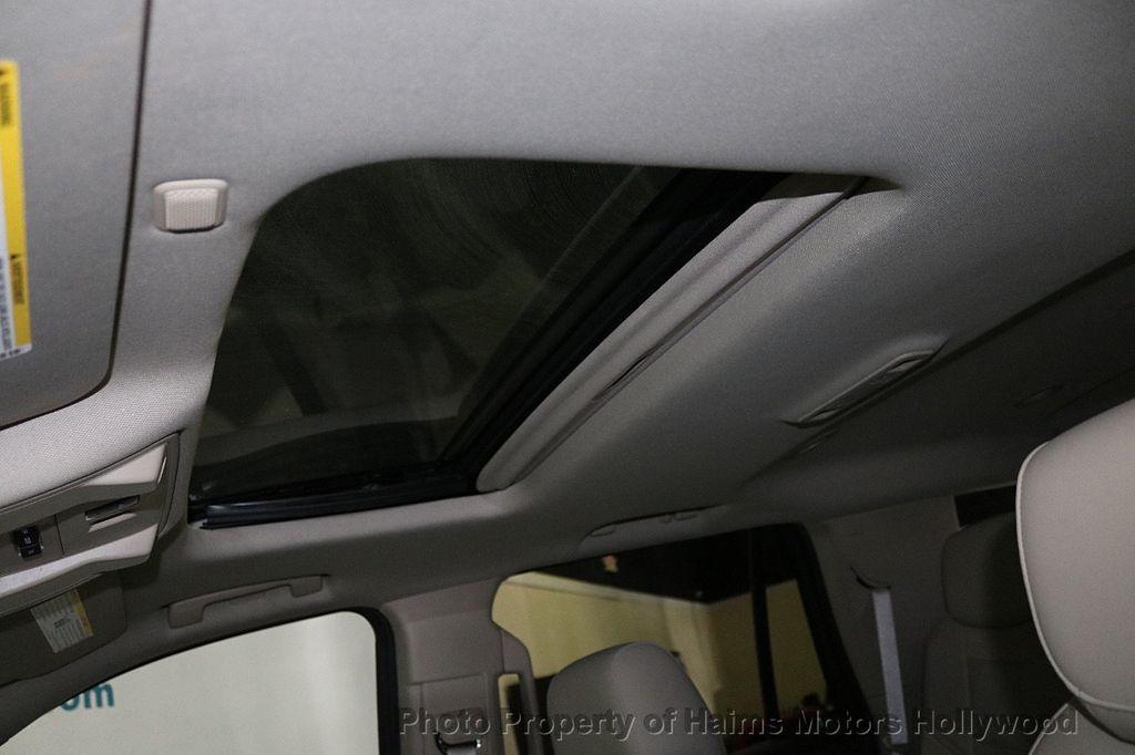 2015 Cadillac Escalade 2WD 4dr Luxury - 18512718 - 22