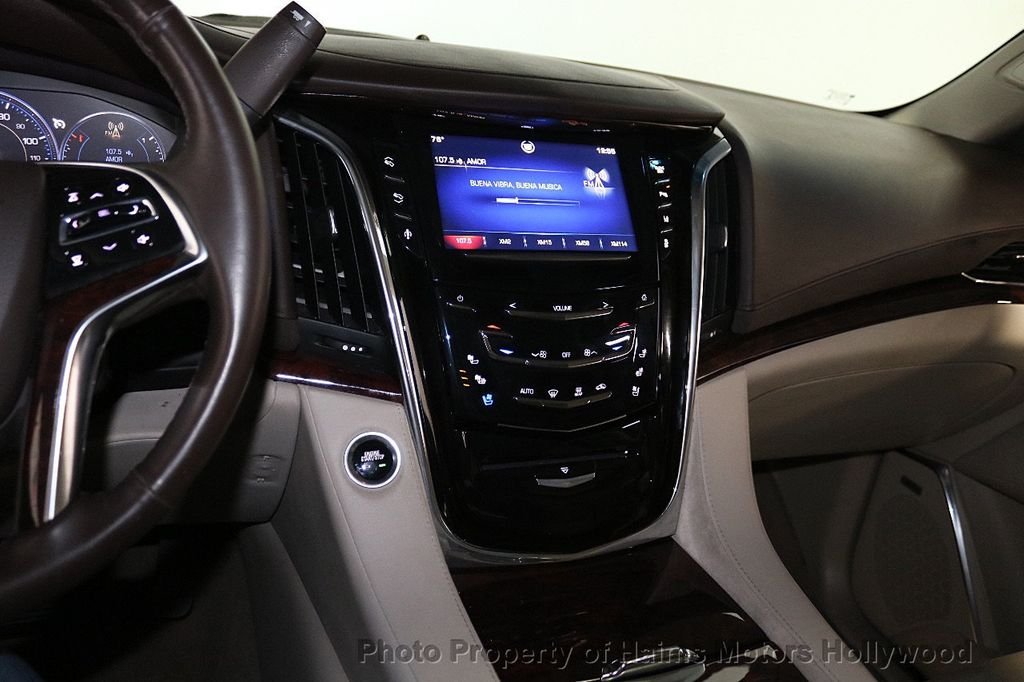2015 Cadillac Escalade 2WD 4dr Luxury - 18512718 - 23