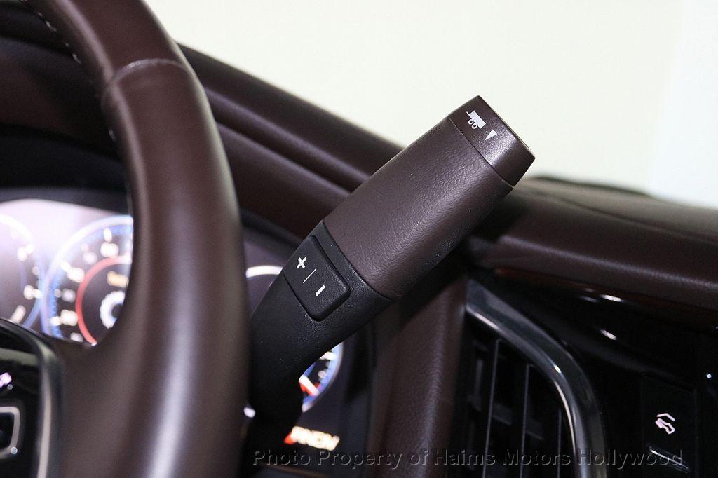 2015 Cadillac Escalade 2WD 4dr Luxury - 18512718 - 25