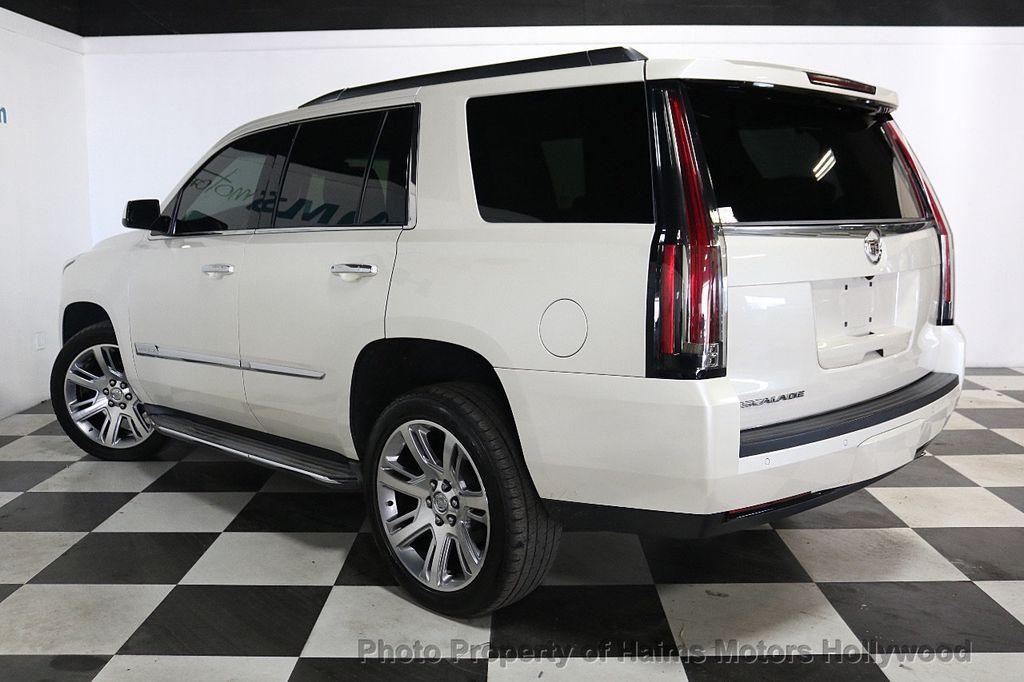2015 Cadillac Escalade 2WD 4dr Luxury - 18512718 - 4