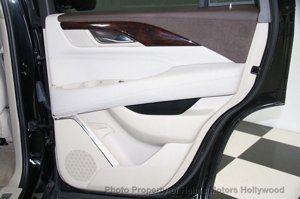 2015 Cadillac Escalade 4WD 4dr Luxury - 17327967 - 12