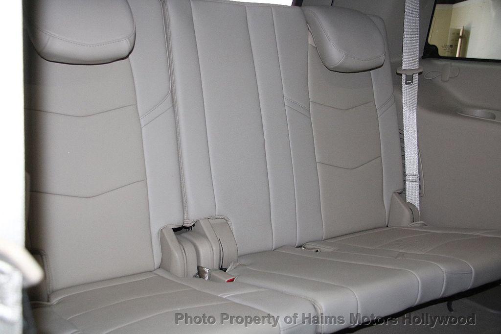 2015 Cadillac Escalade 4WD 4dr Luxury - 17327967 - 16