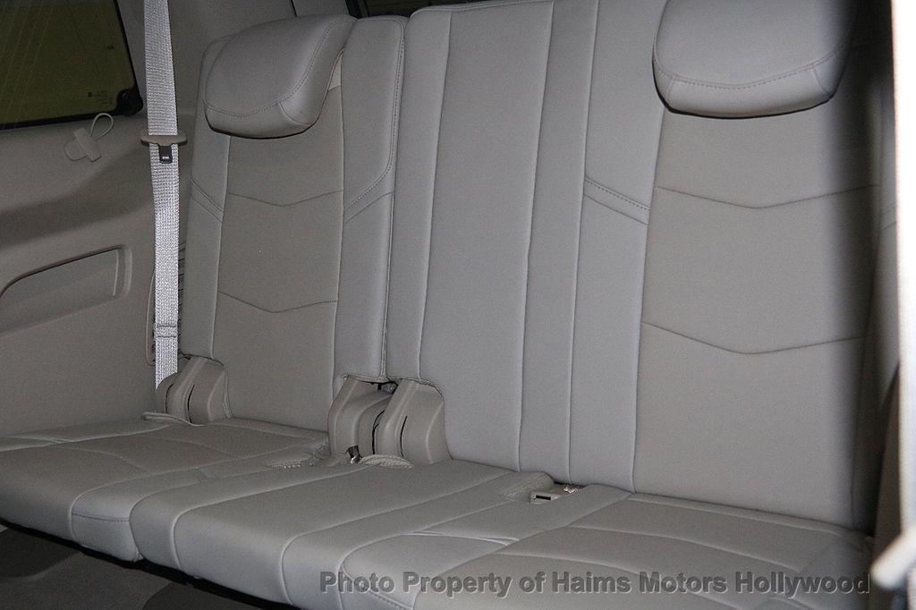 2015 Cadillac Escalade 4WD 4dr Luxury - 17327967 - 18