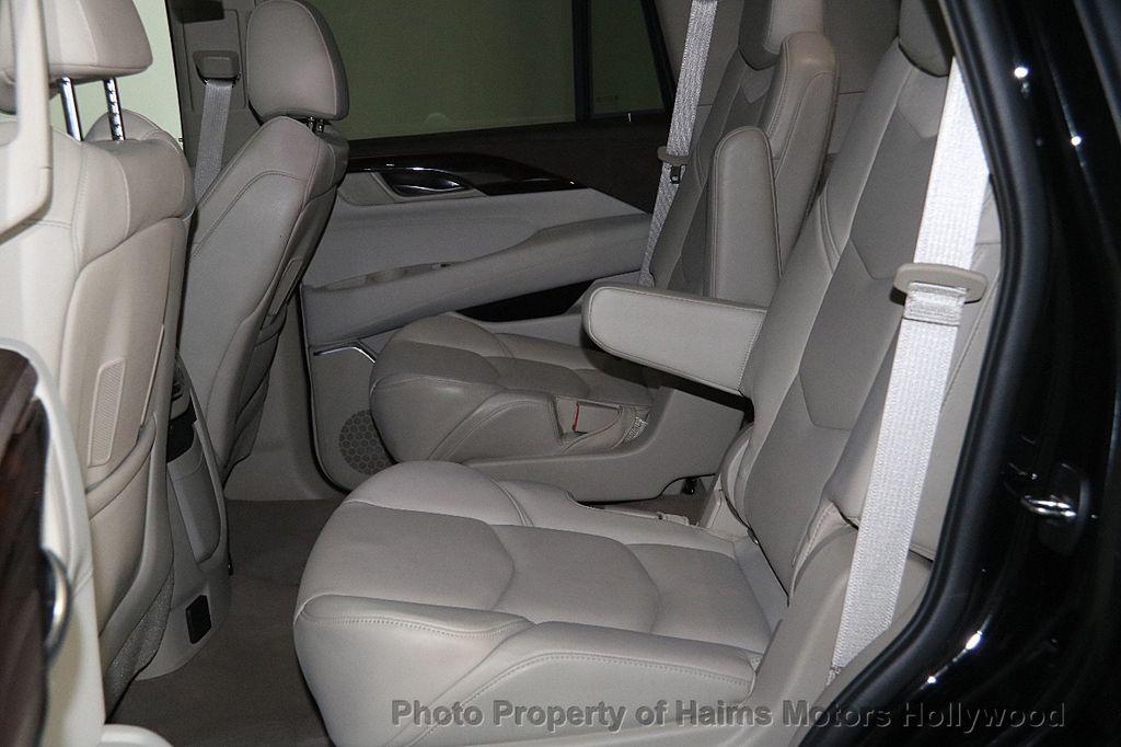 2015 Cadillac Escalade 4WD 4dr Luxury - 17327967 - 19