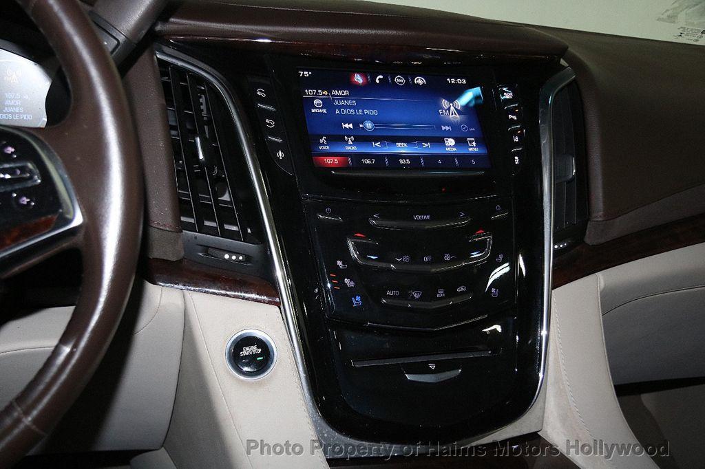 2015 Cadillac Escalade 4WD 4dr Luxury - 17327967 - 24