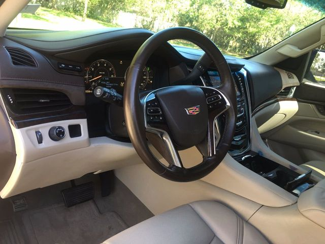 2015 Cadillac Escalade ESV 2WD 4dr Luxury - Click to see full-size photo viewer