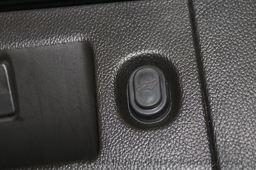 2015 Cadillac Escalade ESV 4WD 4dr Luxury - 17916128 - 11