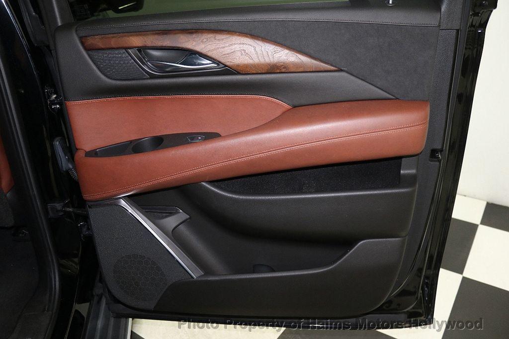 2015 Cadillac Escalade ESV 4WD 4dr Luxury - 17916128 - 14