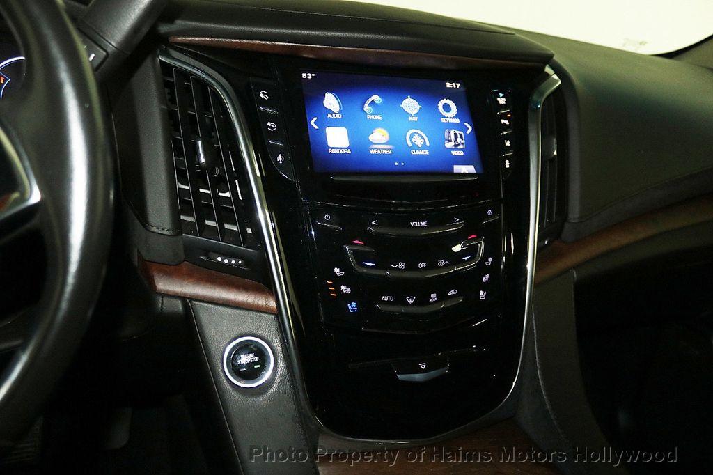 2015 Cadillac Escalade ESV 4WD 4dr Luxury - 17916128 - 24