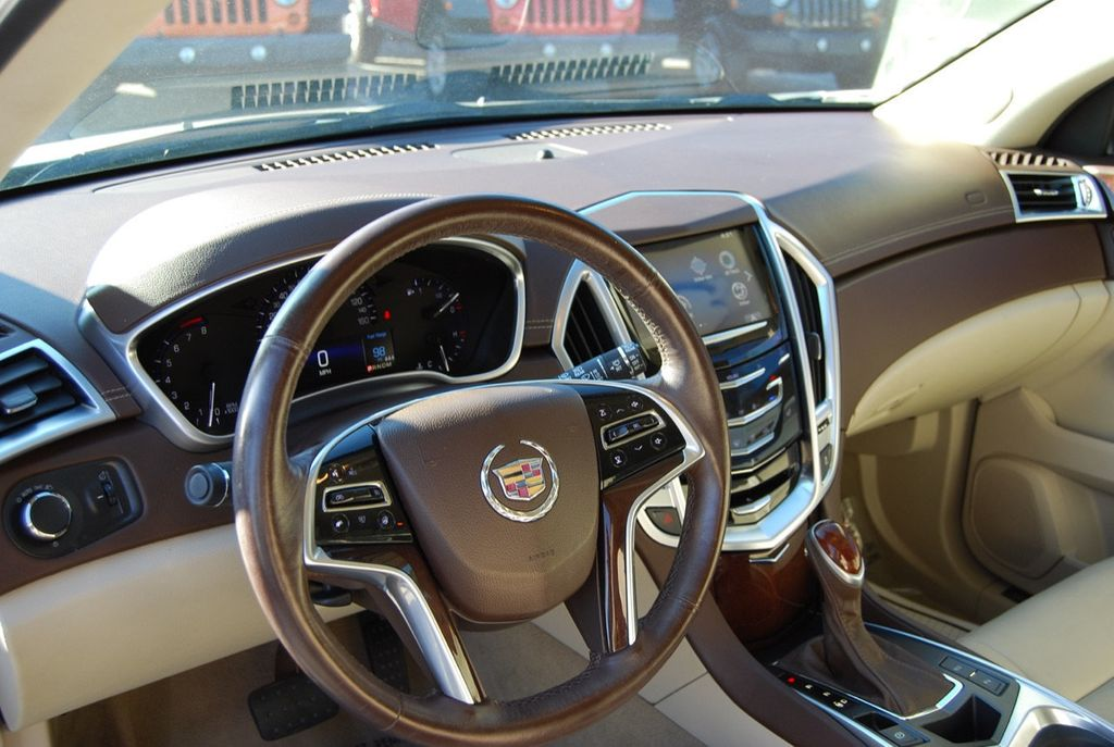 2015 Cadillac SRX FWD 4dr Luxury Collection - 18192826 - 17