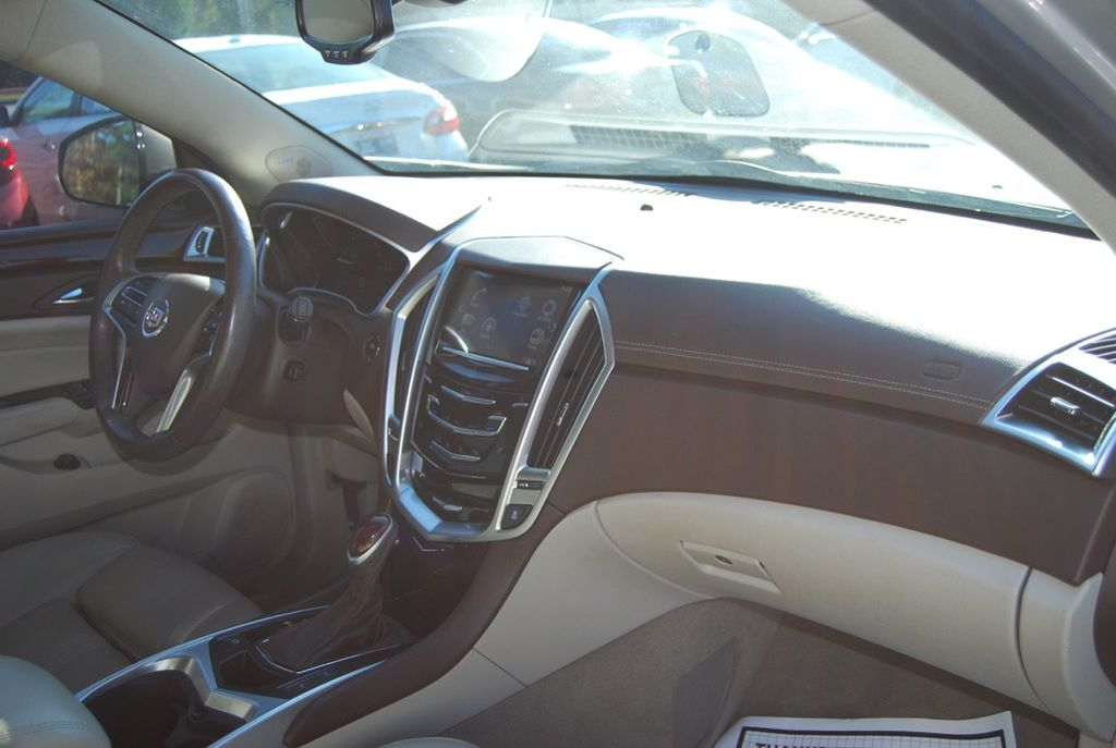2015 Cadillac SRX FWD 4dr Luxury Collection - 18192826 - 23