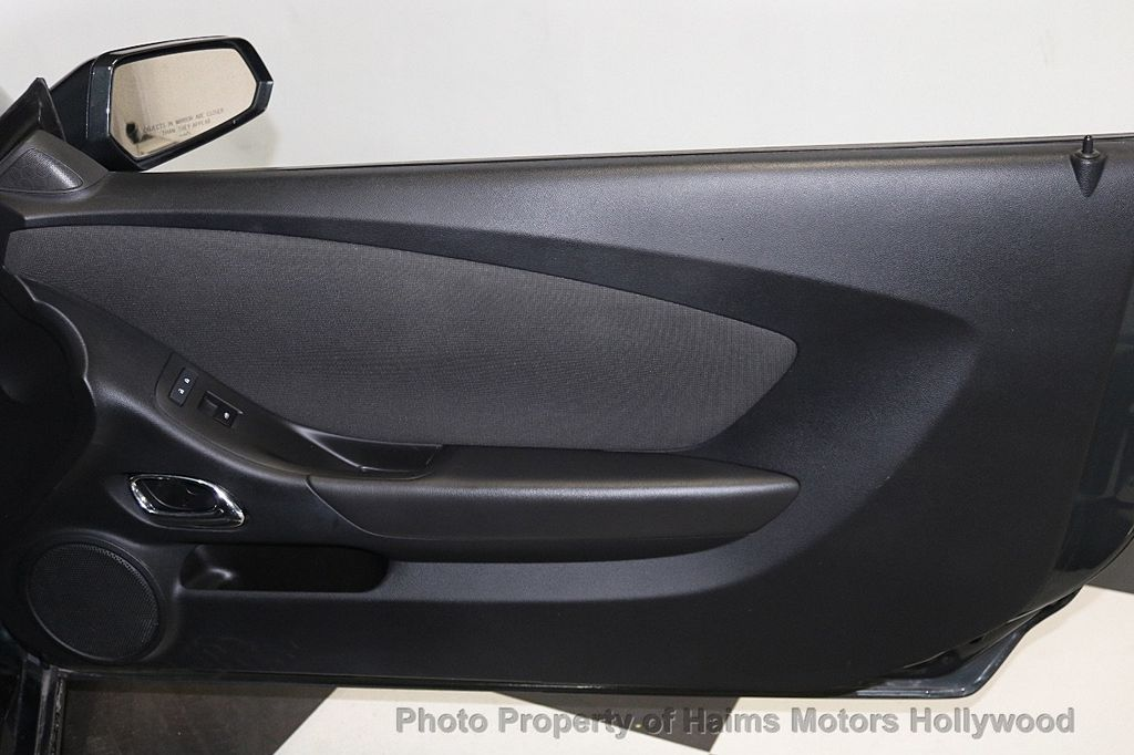 2015 Chevrolet Camaro 2dr Convertible LT w/1LT - 17590536 - 13
