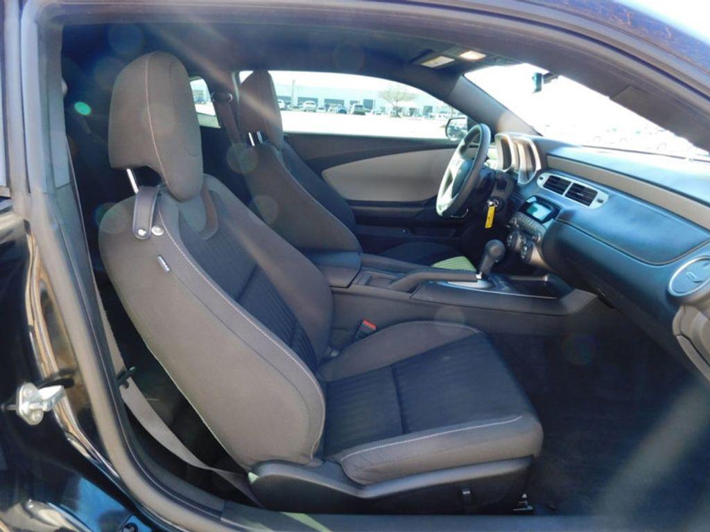 2015 Chevrolet Camaro 2dr Coupe LS w/2LS - 18491730 - 3