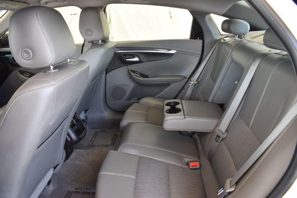 2015 Chevrolet Impala 4dr Sedan LT w/1LT - 18025405 - 24