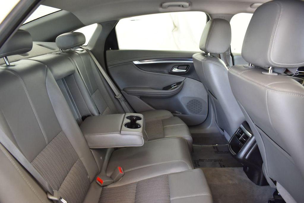 2015 Chevrolet Impala 4dr Sedan LT w/1LT - 18025405 - 32