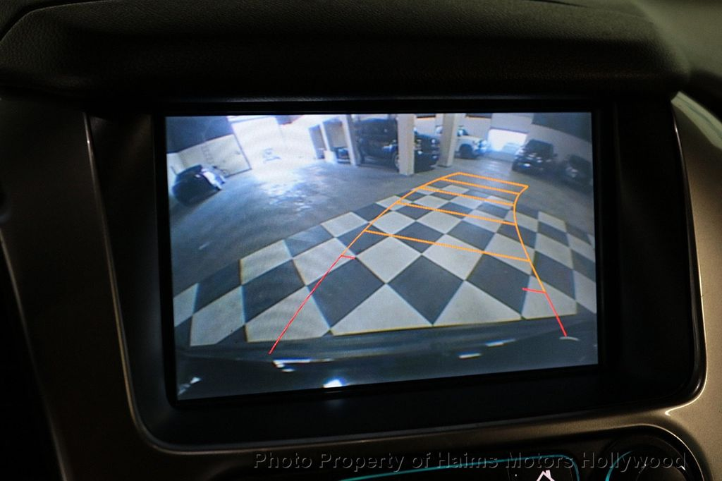 2015 Chevrolet Suburban 2WD 4dr LT - 18327136 - 32