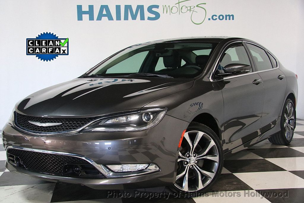 2015 Chrysler 200 4dr Sedan C AWD - 17324855 - 0