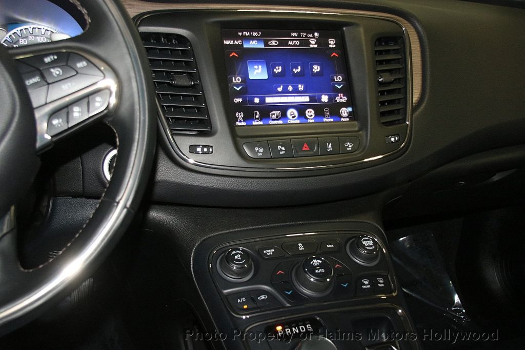 2015 Chrysler 200 4dr Sedan C AWD - 17324855 - 20