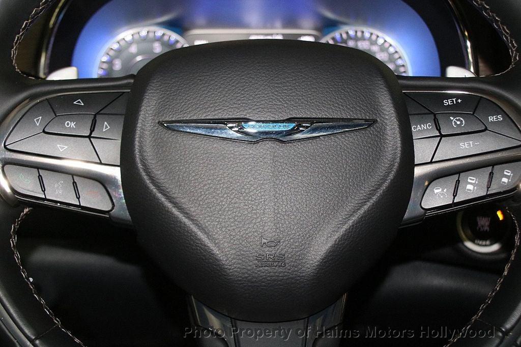 2015 Chrysler 200 4dr Sedan C AWD - 17324855 - 27