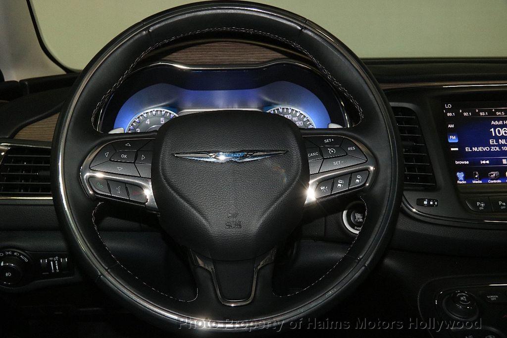 2015 Chrysler 200 4dr Sedan C AWD - 17324855 - 28