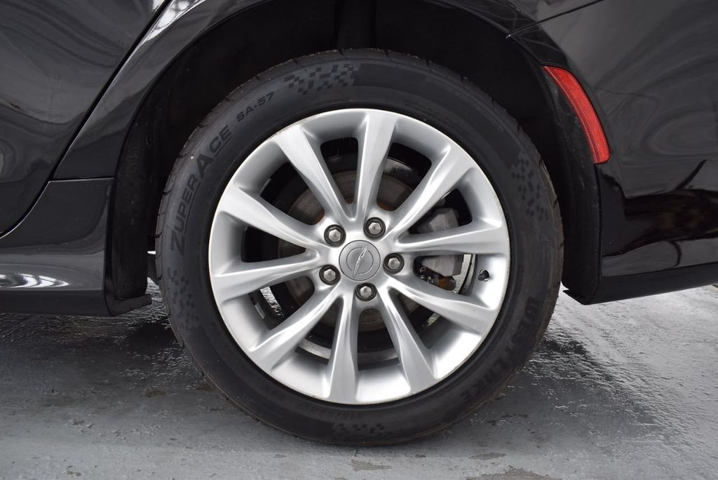2015 Chrysler 200 4dr Sedan Limited FWD - 18359539 - 10