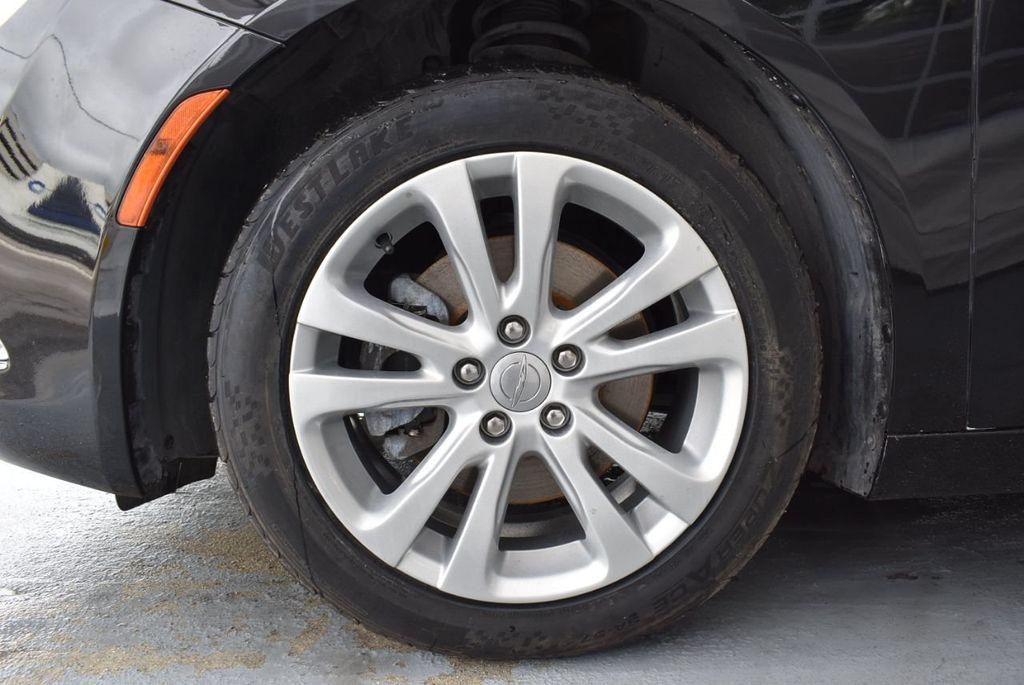 2015 Chrysler 200 4dr Sedan Limited FWD - 18359539 - 11