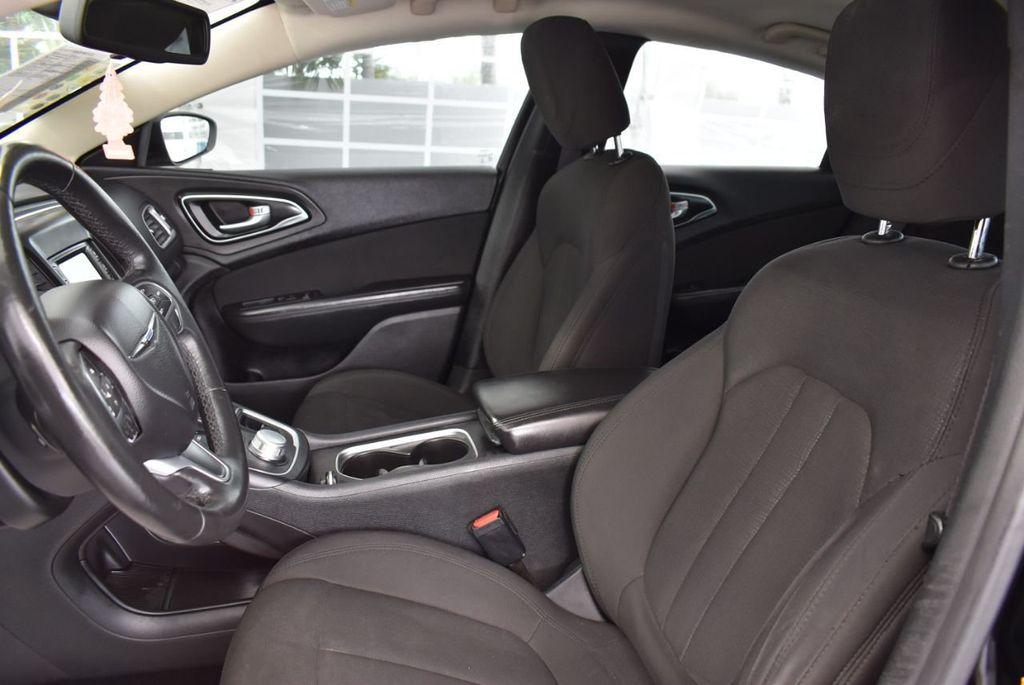 2015 Chrysler 200 4dr Sedan Limited FWD - 18359539 - 14