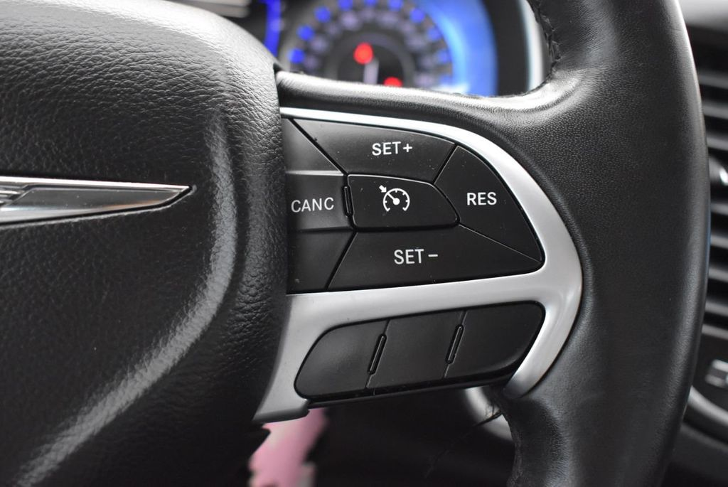2015 Chrysler 200 4dr Sedan Limited FWD - 18359539 - 18