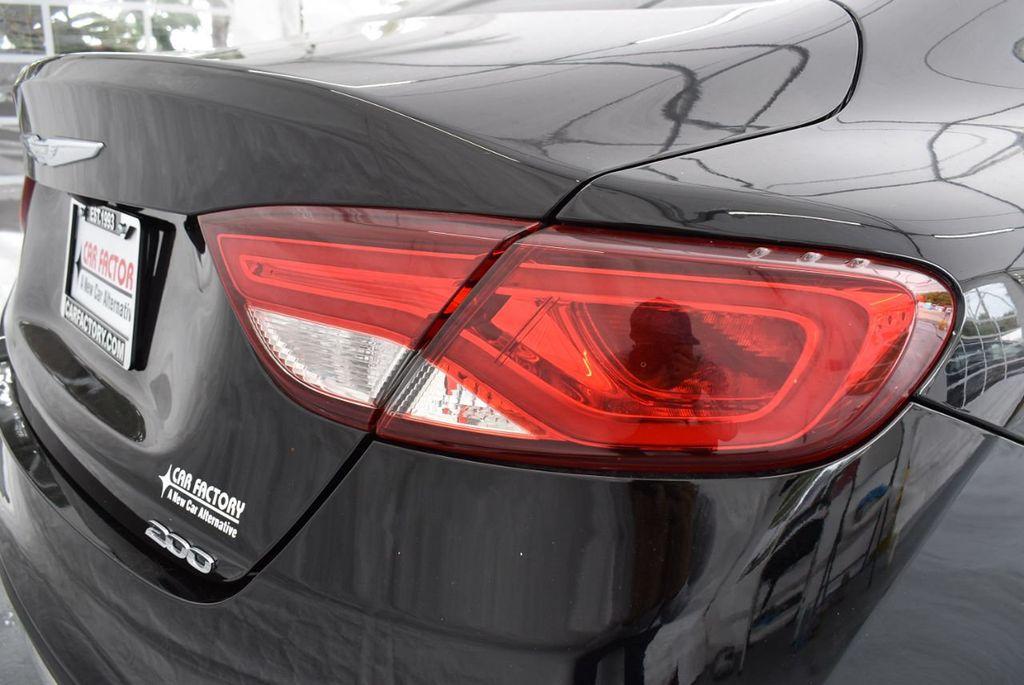 2015 Chrysler 200 4dr Sedan Limited FWD - 18359539 - 1