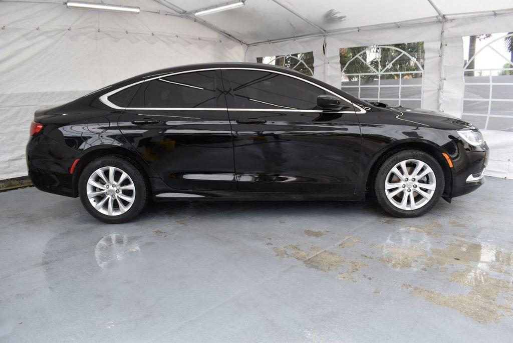 2015 Chrysler 200 4dr Sedan Limited FWD - 18359539 - 2