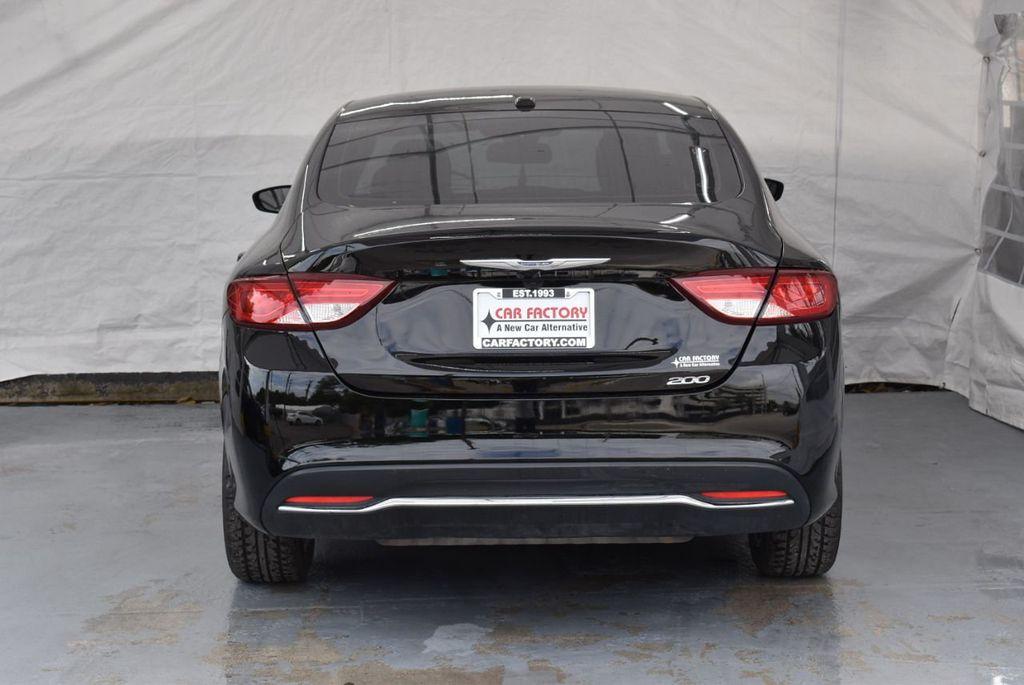 2015 Chrysler 200 4dr Sedan Limited FWD - 18359539 - 7