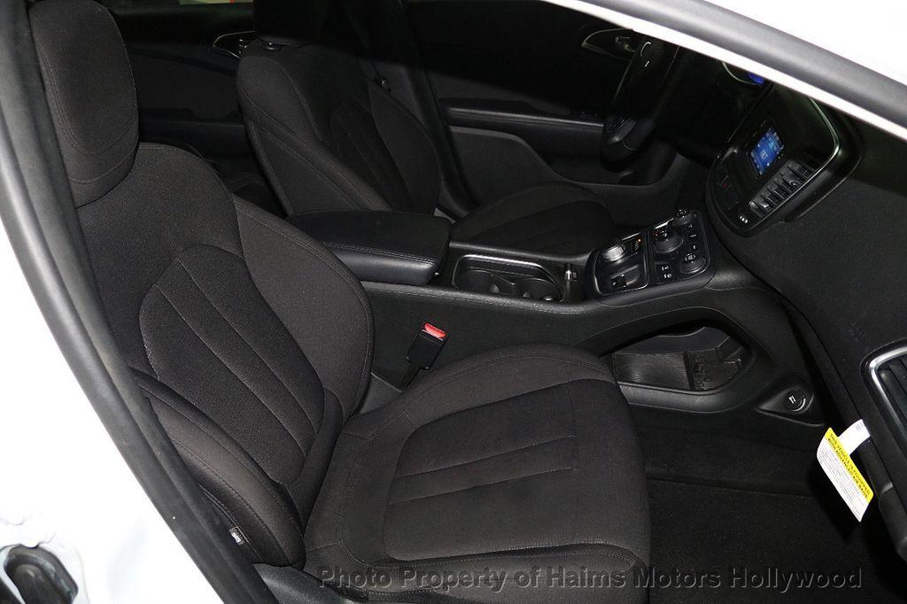2015 Chrysler 200 4dr Sedan Limited FWD - 17962541 - 14