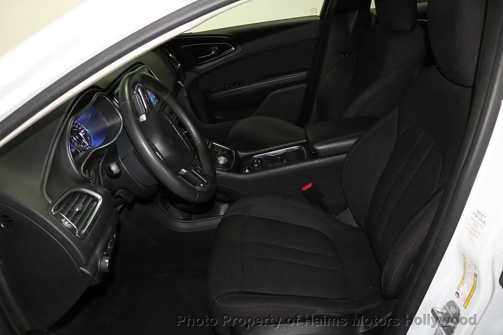 2015 Chrysler 200 4dr Sedan Limited FWD - 17962541 - 17