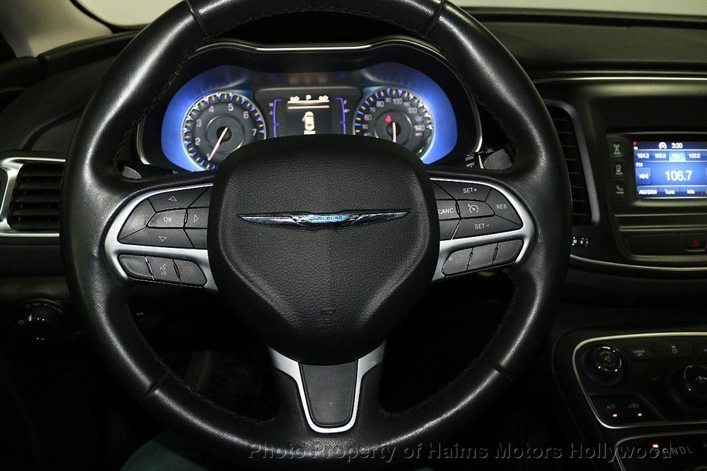 2015 Chrysler 200 4dr Sedan Limited FWD - 17962541 - 27
