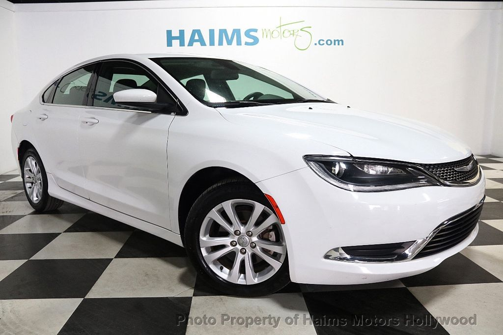 2015 Chrysler 200 4dr Sedan Limited FWD - 17962541 - 3