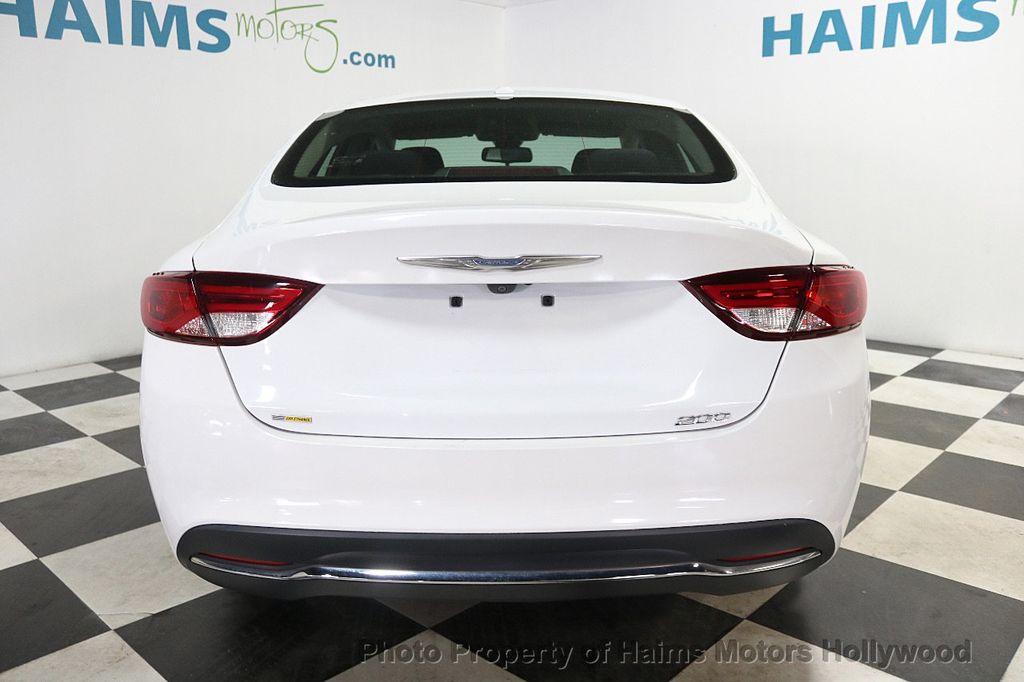 2015 Chrysler 200 4dr Sedan Limited FWD - 17962541 - 5