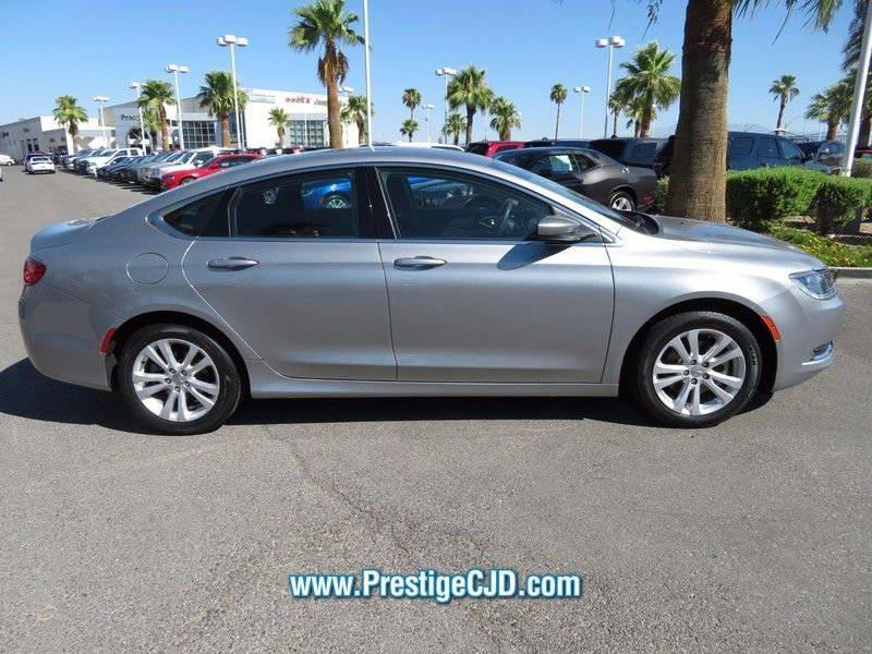 2015 Chrysler 200 4dr Sedan Limited FWD - 16784401 - 3