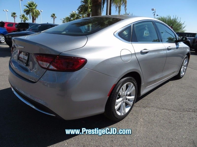 2015 Chrysler 200 4dr Sedan Limited FWD - 16784401 - 4