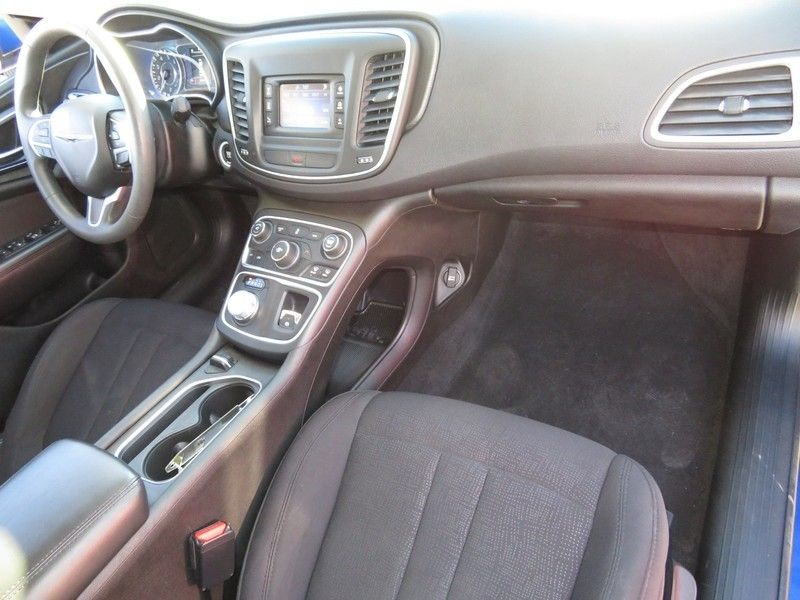 2015 Chrysler 200 4dr Sedan Limited FWD - 17210104 - 14