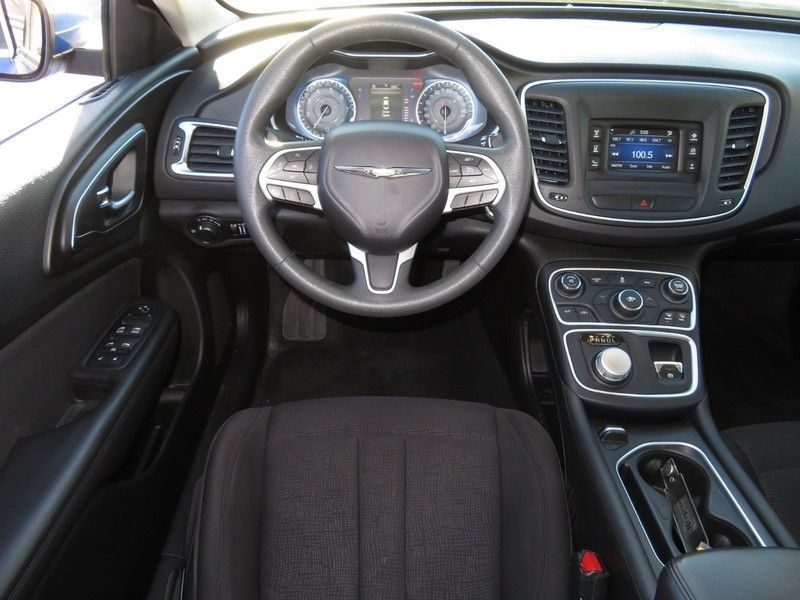 2015 Chrysler 200 4dr Sedan Limited FWD - 17210104 - 6