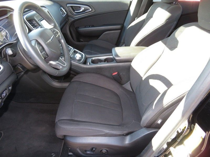 2015 Chrysler 200 4dr Sedan Limited FWD - 17380988 - 3
