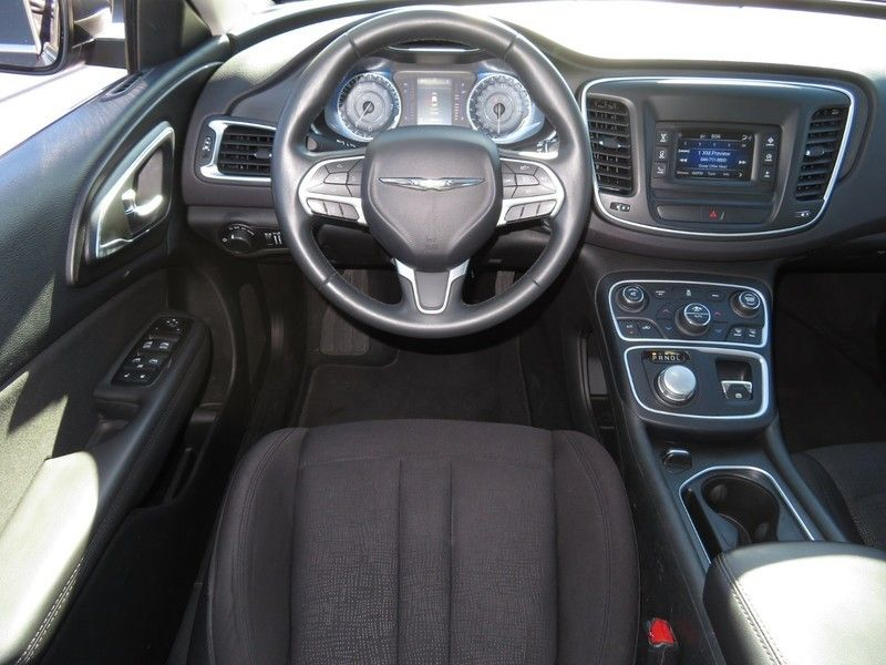 2015 Chrysler 200 4dr Sedan Limited FWD - 17380988 - 5