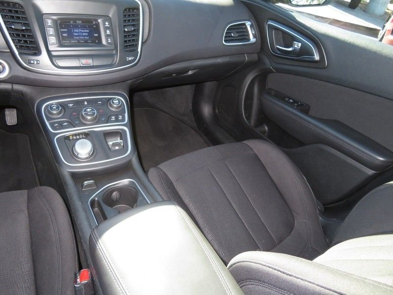 2015 Chrysler 200 4dr Sedan Limited FWD - 17380988 - 6