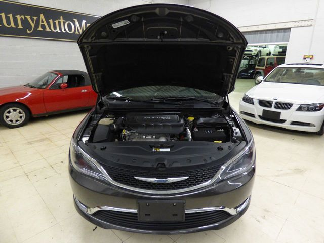 2015 Chrysler 200 4dr Sedan Limited FWD - Click to see full-size photo viewer