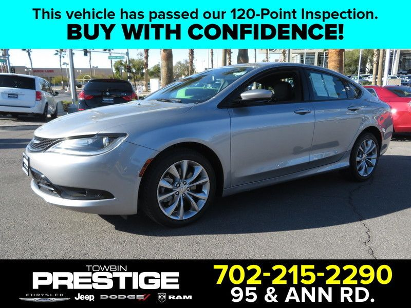2015 Chrysler 200 4dr Sedan S FWD - 17486597 - 0